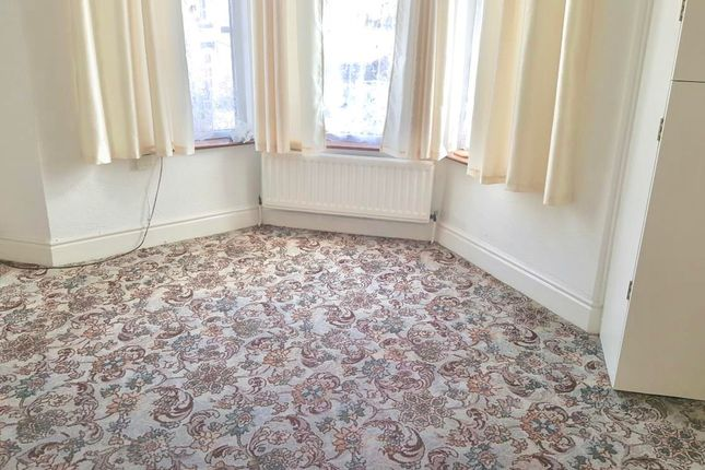 Thumbnail Flat to rent in Victoria Crescent, Barnsley