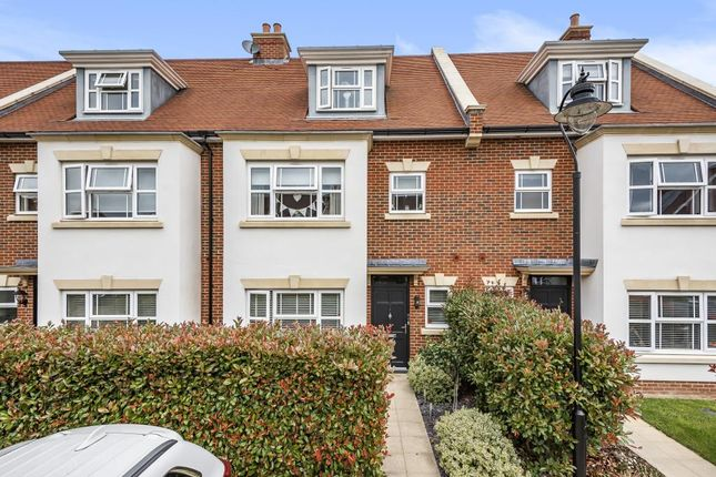 Thumbnail Town house for sale in Lower Sunbury, Middlesex