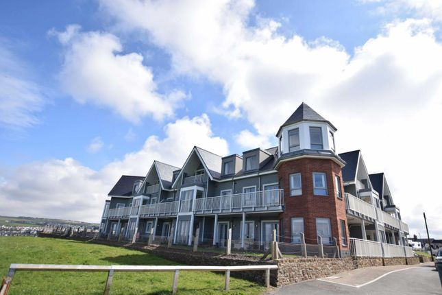 Thumbnail Flat for sale in Crooklets Road, Bude