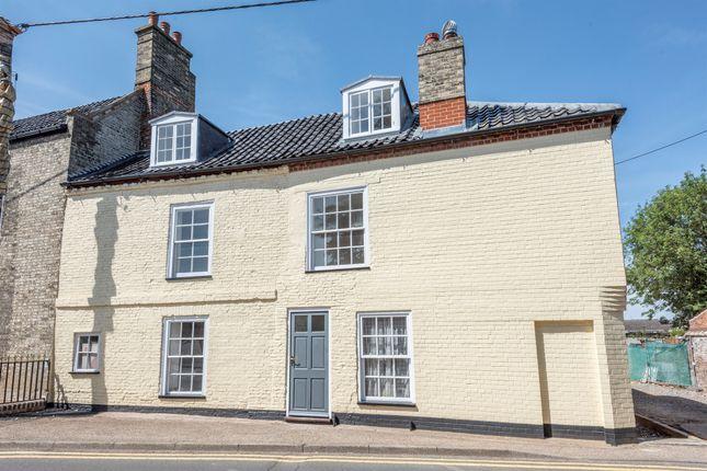 Thumbnail Town house for sale in Dereham Road, Watton, Thetford