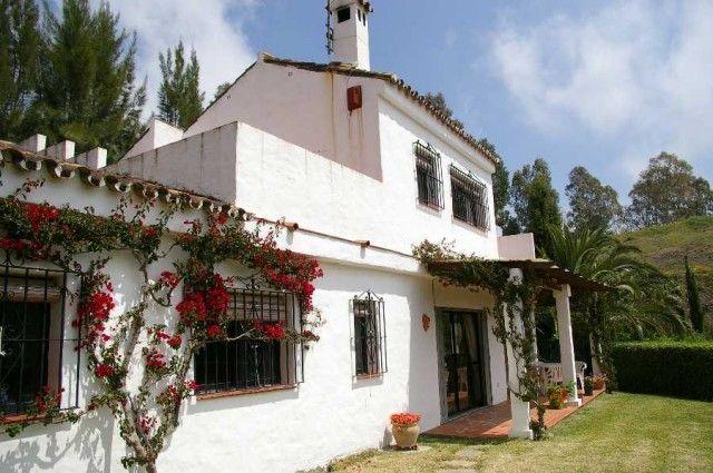 View Of Property of Spain, Málaga, Estepona, Estepona Alta