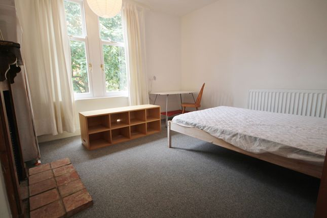 Thumbnail Terraced house to rent in Cradock Road, Clarendon Park, Leicester