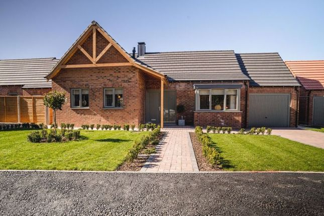 2 bed detached bungalow for sale in Kings Park Road, Kings Park, Scartho DN33
