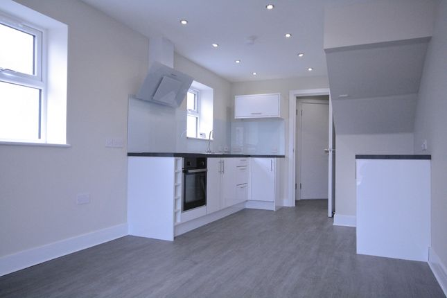 2 bed maisonette to rent in Whitchurch Road, Cardiff, Cardiff CF14
