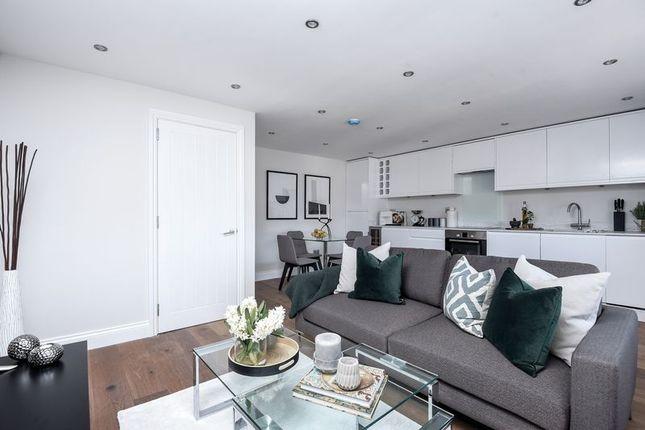2 bed flat for sale in Ellison Road, London