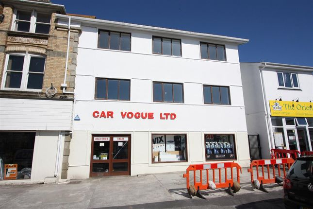 Thumbnail Flat to rent in Cliff Road, Newquay