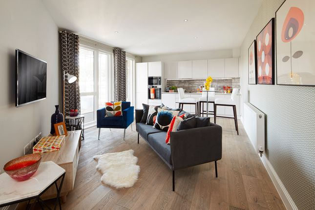 Thumbnail Flat for sale in Loampit Vale, London