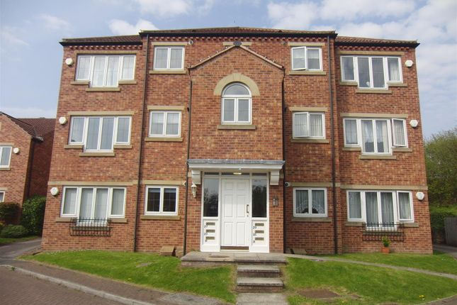 2 bed flat to rent in Saxon Grange, Sherburn In Elmet, Leeds LS25