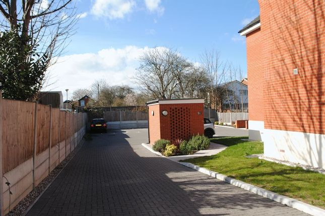 Photo 6 of Cody Court, Shakespeare Drive, Westcliff-On-Sea, Essex SS0