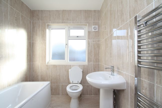 Bathroom of Sandwell Road, Birmingham B21