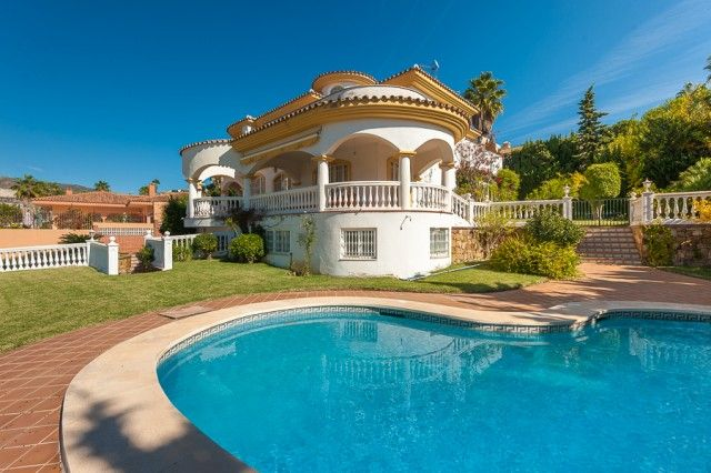 4 bed villa for sale in Spain, Málaga, Benalmádena, Torrequebrada