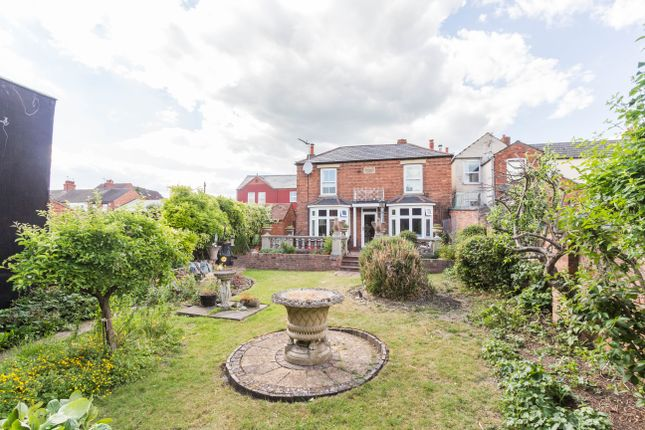 Thumbnail Detached house for sale in Victoria Street, Irthlingborough, Wellingborough