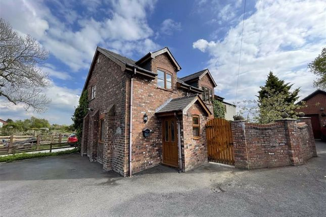 3 bed barn conversion for sale in Chapel Lane, Longton, Preston PR4