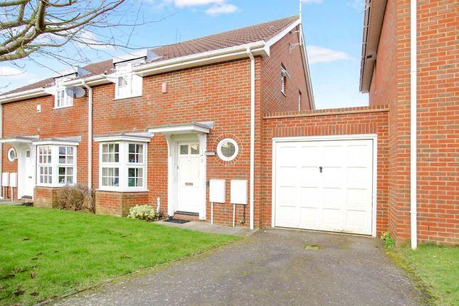 Thumbnail Semi-detached house to rent in Longcroft Gardens, Welwyn Garden City