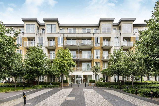 Thumbnail Flat to rent in Melliss Avenue, Kew, Richmond
