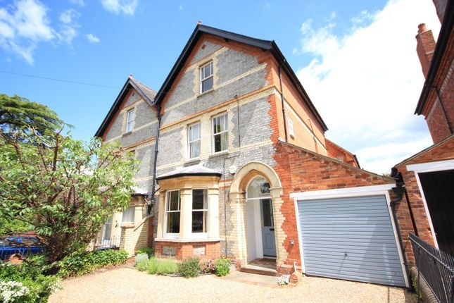 5 bed semi-detached house to rent in Alexandra Road, Reading