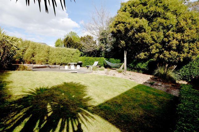 Property For Sale In The Hythe Road
