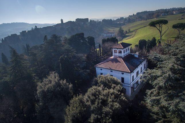 Thumbnail Villa for sale in Bologna (Town), Bologna, Emilia-Romagna, Italy