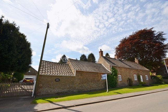 Thumbnail Detached house for sale in Wayside Cottage, Main Street, Normanby, Scunthorpe