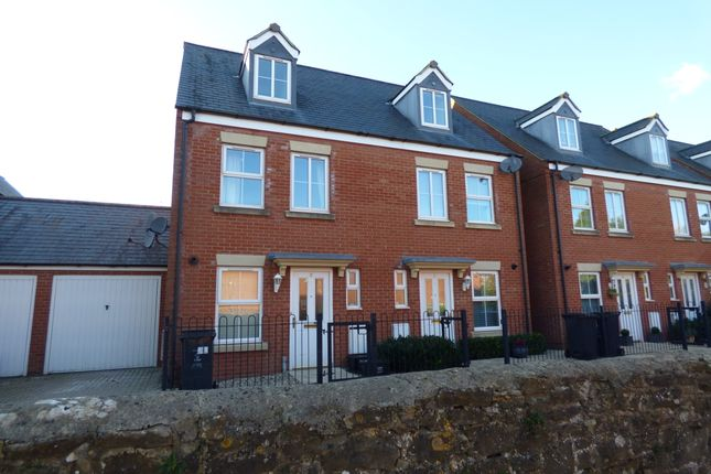 3 bed semi-detached house to rent in The Shearings, Old Town, Swindon SN1