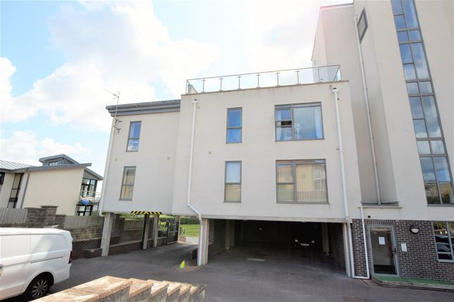 Thumbnail Flat to rent in The Waters Edge, The Knap, Barry