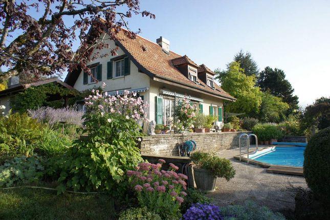 Thumbnail Villa for sale in Genolier, Switzerland