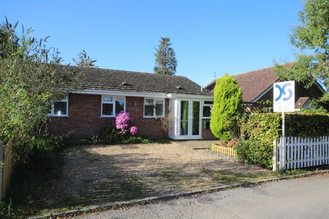 Thumbnail Bungalow to rent in The Glebe, West Challow, Wantage
