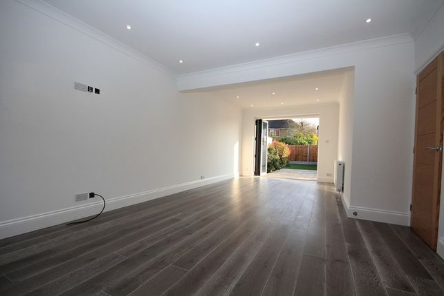 Thumbnail Terraced house to rent in Howard Road, Upminster