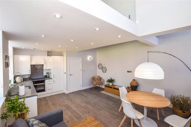 Thumbnail Flat for sale in Hatfield Road, Watford, Hertfordshire