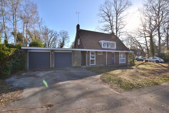 Thumbnail Property for sale in Tavistock Road, Fleet