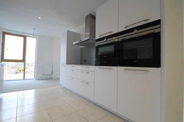 Thumbnail Property to rent in Victoria Wharf, Watkiss Way, Cardiff