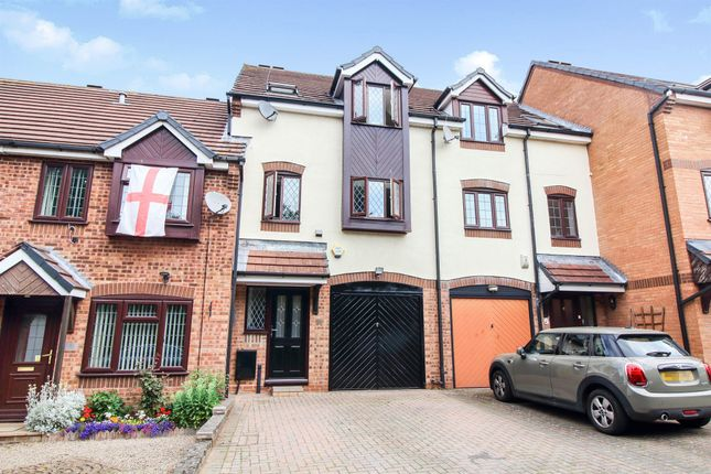 Thumbnail Terraced house for sale in Howcroft Green, Great Meadow, Worcester