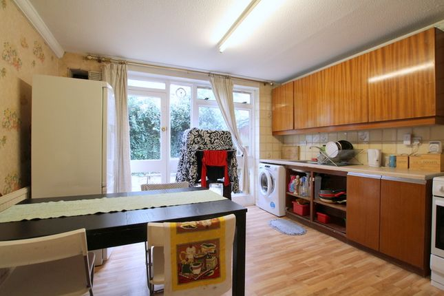 Room to rent in Aisgill Avenue, London