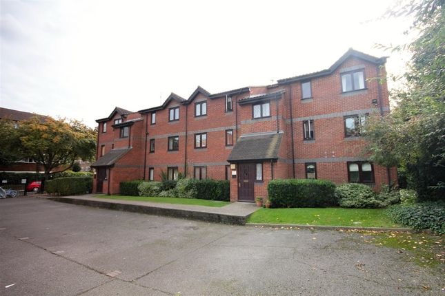 Thumbnail Flat to rent in Rouel Road, London