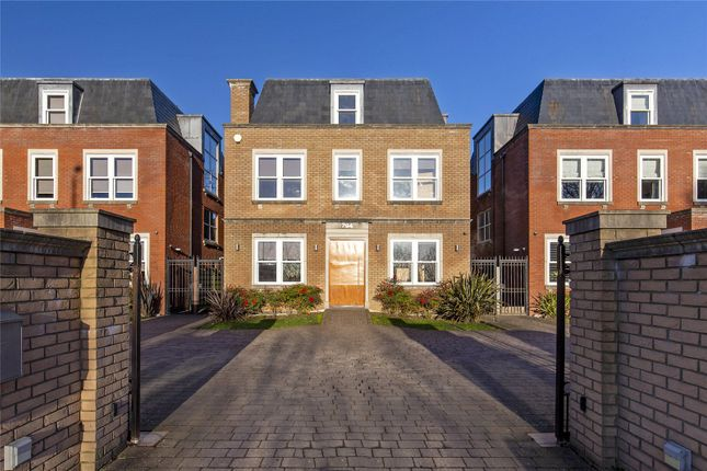 Thumbnail Detached house to rent in Barnet Road, Arkley, Barnet