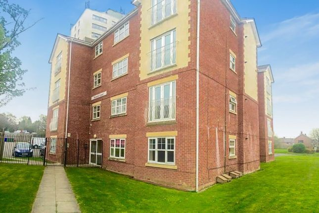 Thumbnail Flat to rent in Wordsworth Road, Denton, Manchester