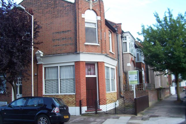 Thumbnail Semi-detached house to rent in Half Acre Road, Hanwell