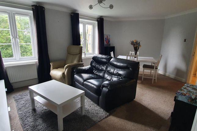 Thumbnail Flat to rent in Hornbeams, Sweet Briar, Welwyn Garden City