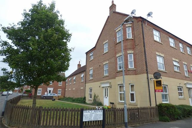 Thumbnail Flat to rent in Tracy Avenue, Langley, Berkshire