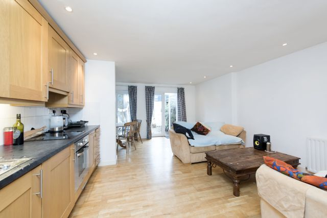 Thumbnail End terrace house to rent in Ebbisham Drive, Vauxhall