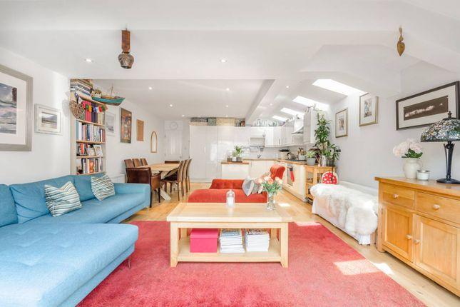 Thumbnail Terraced house to rent in Balvernie Grove, Southfields, London