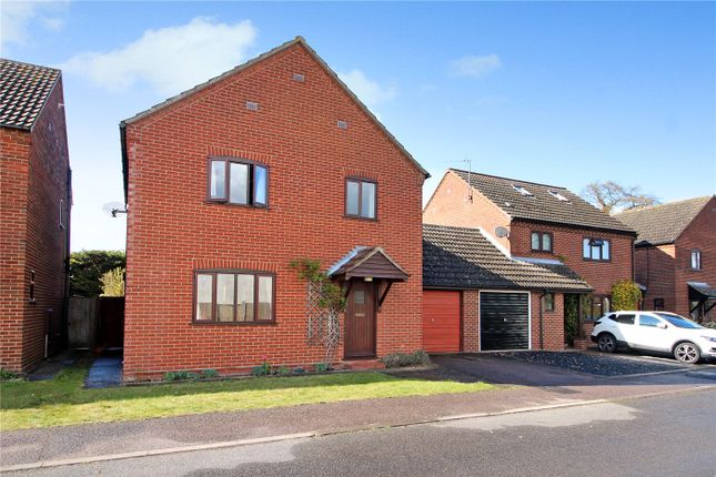 3 bed detached house for sale in Saxonfields, Poringland, Norwich, Norfolk NR14