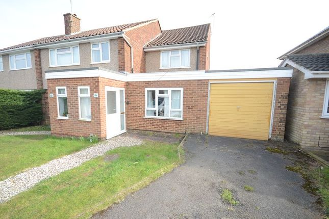 Thumbnail Terraced house to rent in Arundel Road, Woodley, Reading