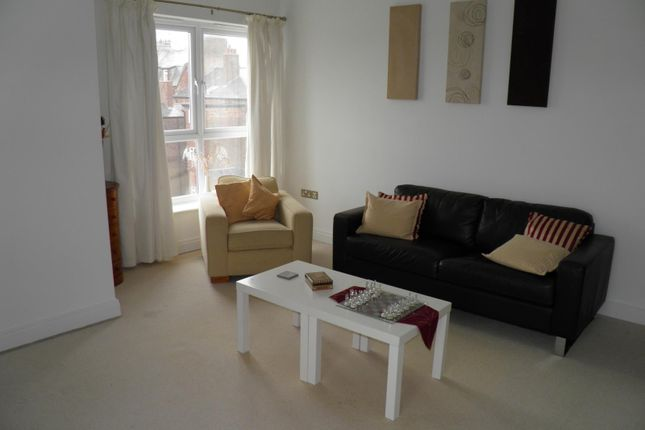 Flat to rent in The Cloisters, Houghton Grove, Southport