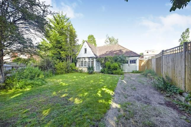 Thumbnail Bungalow for sale in Orchard Avenue, Shirley, Croydon, Surrey