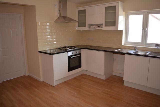 Studio to rent in Harrowden Road, Shortstown, Bedford MK42