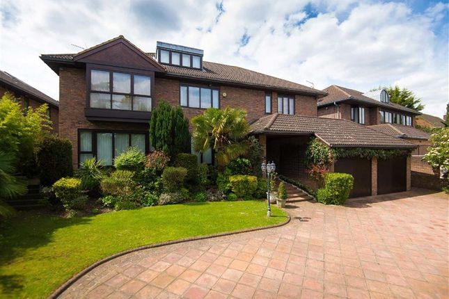 Thumbnail Detached house for sale in Links Drive, Totteridge, London