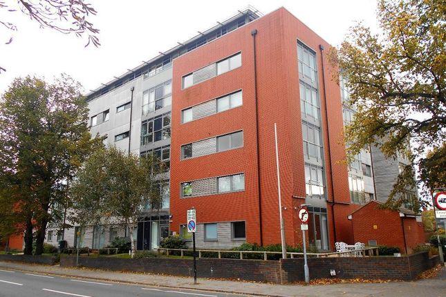 Thumbnail Flat for sale in Goldington Road, Bedford, Bedfordshire