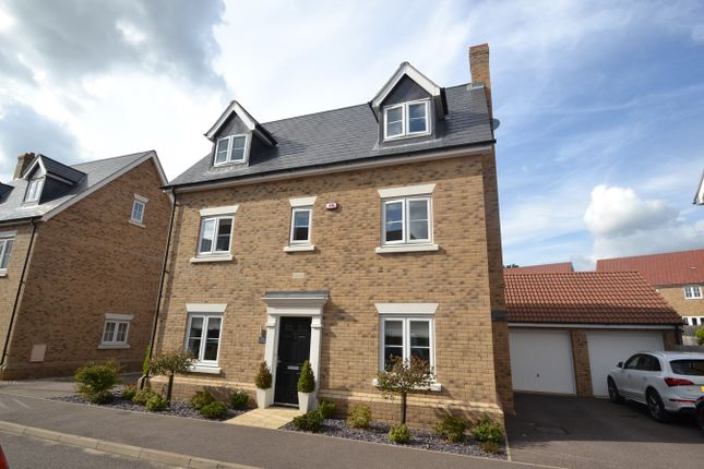 Thumbnail Town house for sale in Axial Drive, Colchester