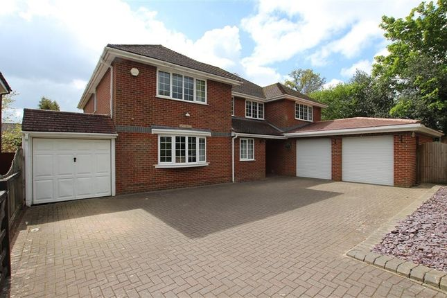 Thumbnail Detached house for sale in Long Lane, Tilehurst, Reading